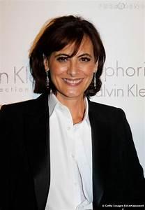 Ines De La Fressange : ines de la fressange here i think her hair is getting ~ A.2002-acura-tl-radio.info Haus und Dekorationen