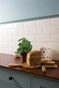 Küche Fliesenspiegel Plexiglas : metrotiles f r den fliesenspiegel in der k che wer will schon plexiglas toll auch die bord re ~ Markanthonyermac.com Haus und Dekorationen