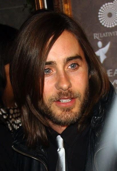 lange haare stylen mann