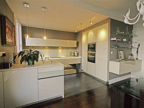 mur de cuisine une cuisine ouverte chic et raffinée inspiration cuisine