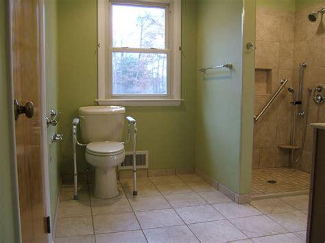 Handicapped Bathroom Design by Handicap Accessible Bathroom Waldorf