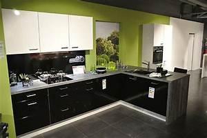 Moderne Küche Hochglanz Schwarz : impuls musterk che top moderne einbauk che weiss hochglanz kombiniert mit schwarz hochglanz inkl ~ Sanjose-hotels-ca.com Haus und Dekorationen