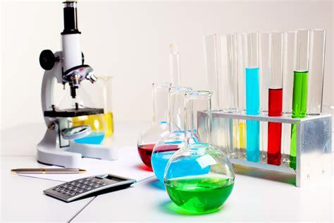 kimya laboratuvarinda kullanilan bazi temel malzemeler