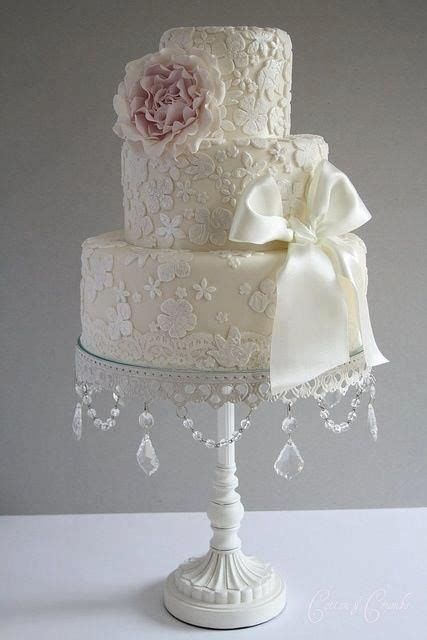 Vintage Elegant Lace Applique Cream Ivory 3 Tier Wedding