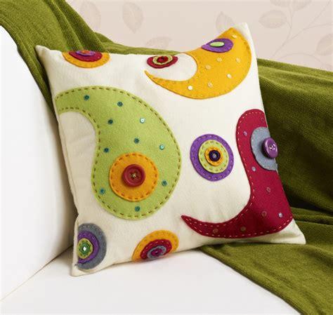 felt sheet craft ideas how to make a felt applique cushion hobbycraft 4458