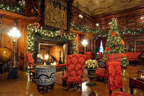 christmas decorations  biltmore americas largest house