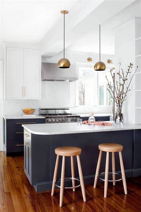 what paint for kitchen cabinets 25 best ideas about blue kitchen cabinets on 1712