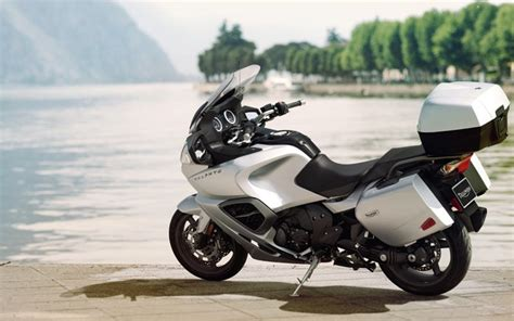 The 12 Best Touring Motorcycles For The Wide Open Road