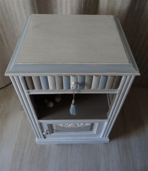 chevet ancien ou meuble dappoint effet shabby blanc lin taupe bleu gustavien anjoudeco