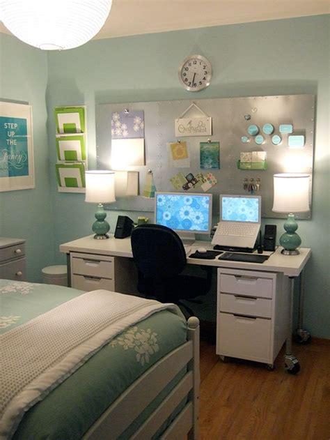 Decoração de quarto de hóspedes e escritório