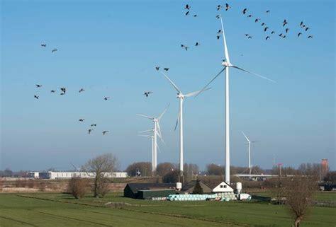 verzet op heuvelrug groeit tegen windmolens die tweemaal zo hoog als domtoren zijn utrecht adnl