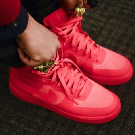 suche rote nike airforce schuhe rot sneaker