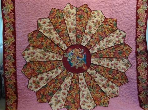 dresden plate quilt you have to see large dresden plate quilt by carolynwainscot