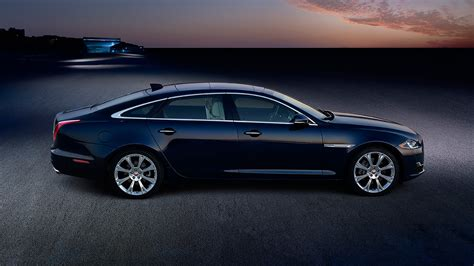 Jaguar XJ Sports Sedan Images - All Models | Jaguar Canada