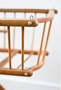 Lit Poupee En Bois : ancien lit de poup e en bois dejou mes petites puces ~ Teatrodelosmanantiales.com Idées de Décoration