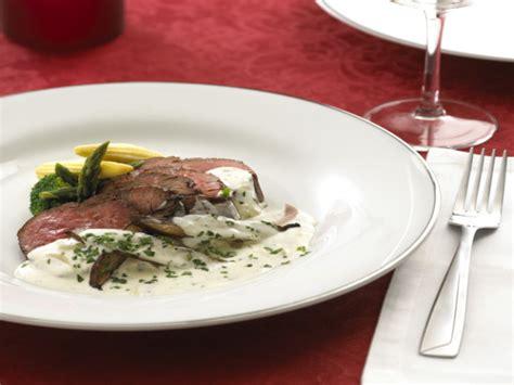 alouette cuisine beef tenderloin with alouette sauce recipe