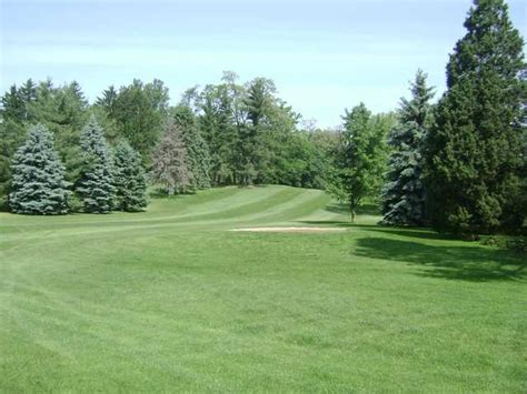 village greens golf course in sinking spring