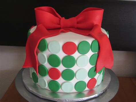 christmas cakes from over the years byrdie girl custom cakes