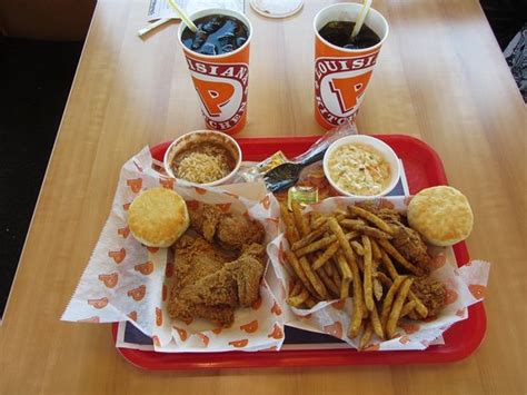 popeyes dining area  flat screen tv picture  popeyes louisiana kitchen west valley city