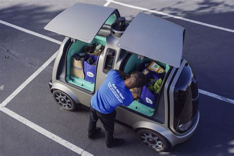nuro launches autonomous kroger grocery delivery pods