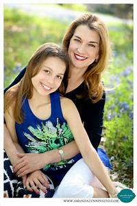 Priceless Mother/Daughter Bluebonnet Portraits | Fort ...
