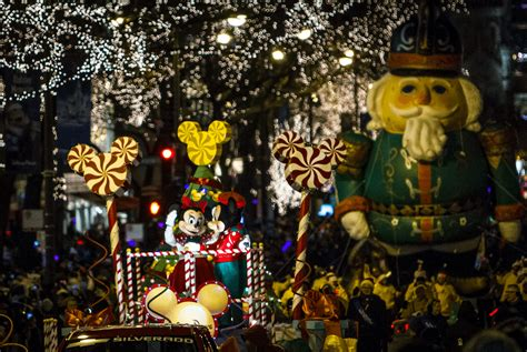 magnificent lights parade 2017 the mag mile lights festival returns november 17th 18th