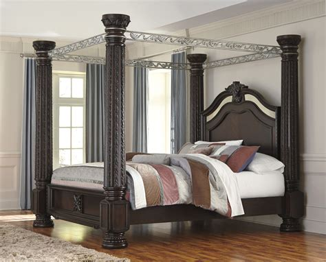 King Canopy Bed Ideas For Creating Stunning Bedroom