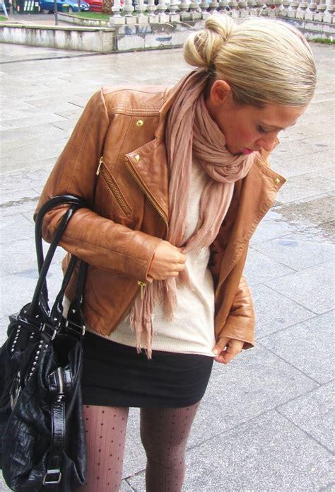 ways  wear brown leather jacket