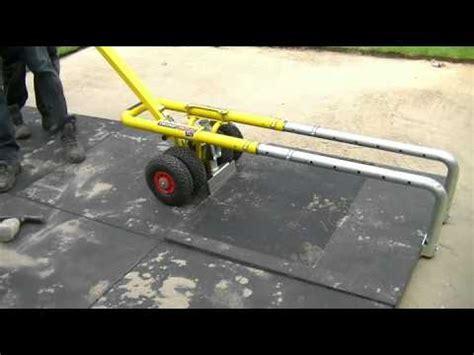 platten legen terrasse aufheben transportieren und legen 100x100cm platten terrasse herstellen