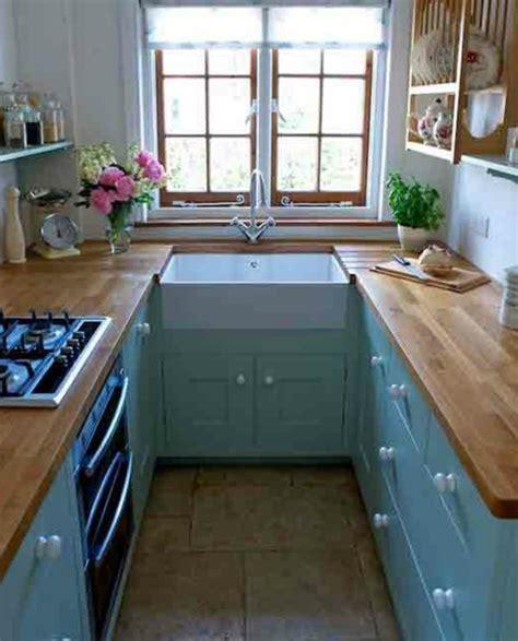 cuisine petit espace design les 25 meilleures idées concernant fenêtre d 39 évier de