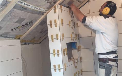 Bilder Für Badezimmer Wand by Fliesen Verlegen Wand Dusche Badezimmer Tipps Tricks