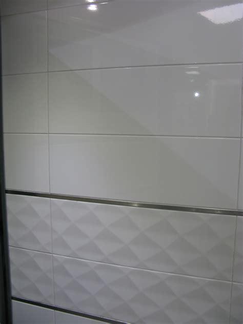 frise faience cuisine carrelage mural 20x60 akrom blanc brillant ou mat saloni