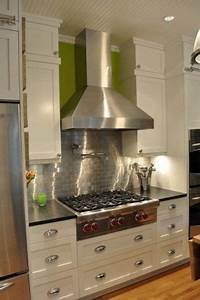 Benefits of using subway tile backsplash can lights for Subway tile backsplash behind stove