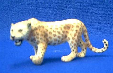 leopard toy miniature replica  schleich  animal world