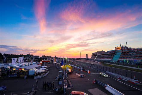 24 Stunden Rennen Nürburgring Heißer Regentanz