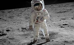 Astronaut Neil Armstrong has died - The Verge