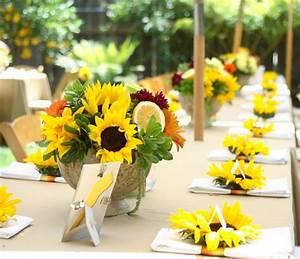 Tischdeko Mit Sonnenblumen : 50 arrangements floraux romantiques en fleur de tournesol ~ Lizthompson.info Haus und Dekorationen