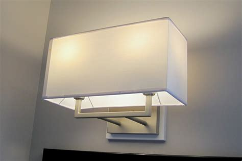 Contemporary Bathroom Light Fixtures : White Porcelain Contemporary Bathroom Light Fixture (6778