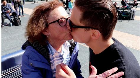 Mature Deep Kissing Teen Hot Porn Pics Free XXX Photos