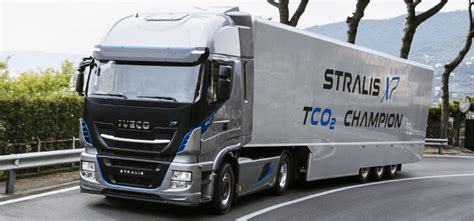 Iveco Launches Cng-/lng-powered Truck For Long-haul Routes