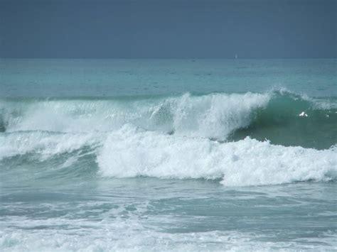 Guarismo: 213. Olas, gaviotas y WinDreamer en mis playas ...