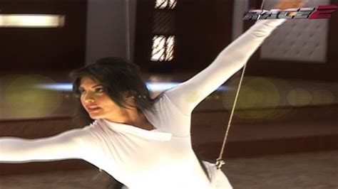 Jacqueline Saif Ali Khans Fencing Training Race Behind The Scene Youtube