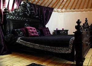 26 impressive gothic bedroom design ideas digsdigs for Gothic bedroom furniture
