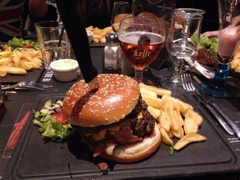 bureau pub au bureau colossal burger photo de pub brasserie au