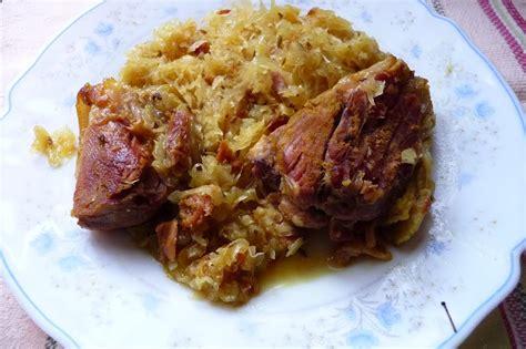 cuisiner un jarret de porc choucroute et jarret de porc confit aux épices les délices de baradozic
