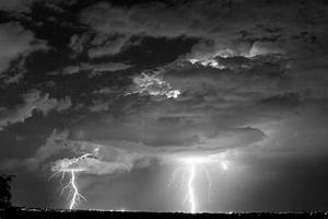 LIGHTNING PHOTOGRAPHYS: lightning photography black and ...