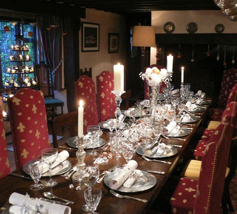 christmas table settings christmas decorating services