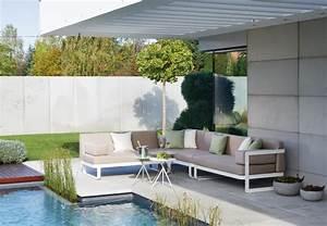 Canape exterieur 47 idees de coin salon de jardin magnifique for Tapis moderne avec salon de jardin canape angle