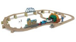 trackmaster tomy thomas the tank engine at echo cave set
