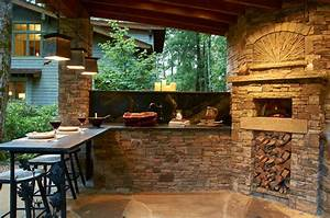 Outdoor Kitchen with Wood Burning Pizza Oven - Rustic